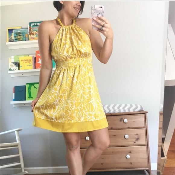 46e4c27c2727a Forever 21 Dresses & Skirts - Forever 21 halter top yellow lemon print dress